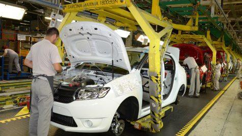 Salarii brute mărite: Dacia își respectă angajații, spre deosebire de Ford