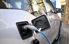 China va însuma 57% din vânzările mondiale de maşini electrice în 2035