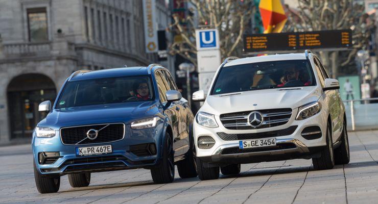 Mercedes Volvo
