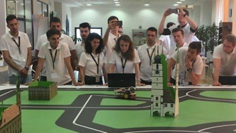 Vehicule autonome create de studenţi români, la Continental Technical Competition