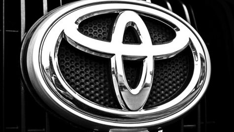 Întărirea yenului ar putea afecta investiţiile Toyota în noile tehnologii