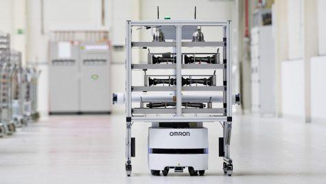 Robot de transport complet autonom la fabrica Skoda Auto din Vrchlabí