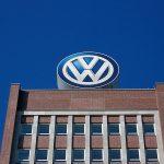 Volkswagen ar putea fi amendat cu 100 mil. euro pentru ratarea țintelor de emisii de CO2