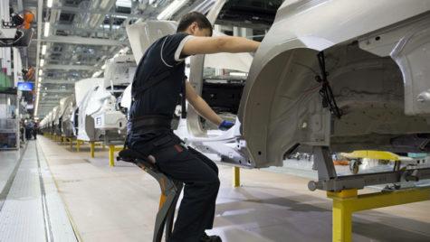 BMW preia controlul societăţii mixte din China