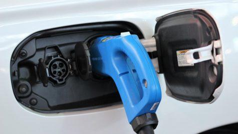 Germania finanţează producţia de baterii pentru vehicule electrice