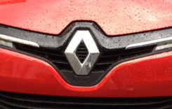 Versiuni hibride pentru cele mai vândute modele Renault