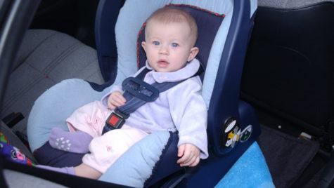 Tehnologie avansată pentru creşterea siguranţei copiilor în maşini