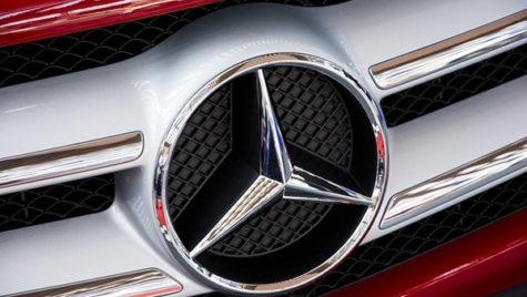 Daimler va plăti o amendă de 870 mil. euro pentru încălcarea regulilor privind emisiile