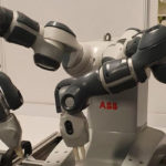 Robotul YuMi a ajuns la Liceul Tehnologic Construcţii de Maşini din Mioveni