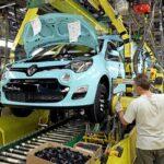 Pe fondul deficitului de semiconductori, Renault Slovenia disponibilizează 350 de angajaţi